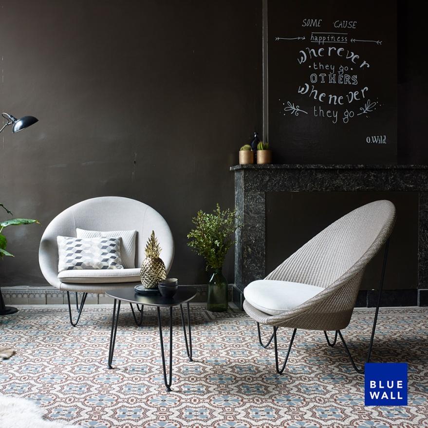 Loungechair-Blue Wall Design-I2