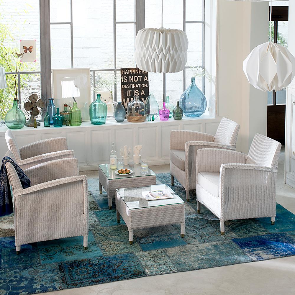 Wintergarten-Lloyd-Cordoba-Chair-Blue Wall Design